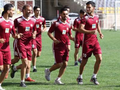 پرسپولیسیها در روز برفی بازی درون تیمی برگزار کردند